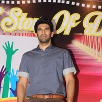 Aditya Roy Kapur - Celebs celebrate Christmas with Cancer Children Pictures