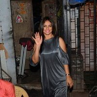Neetu Chandra on the sets of Bhojpuri Dutch Settlers Images