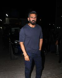 Sunil Shetty - In Pics: The Red Carpet Of Special Screening Of Movie 'A Gentleman'