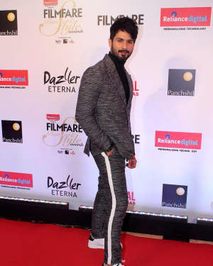 Shahid Kapoor - Photos: Celebs at Red Carpet Of Filmfare Glamour & Style Awards 2017 | 1548212