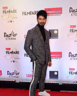 Shahid Kapoor - Photos: Celebs at Red Carpet Of Filmfare Glamour & Style Awards 2017 | 1548213