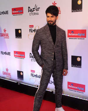Shahid Kapoor - Photos: Celebs at Red Carpet Of Filmfare Glamour & Style Awards 2017