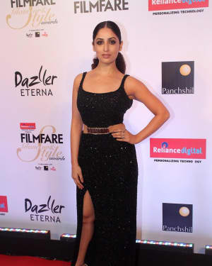 Yami Gautam - Photos: Celebs at Red Carpet Of Filmfare Glamour & Style Awards 2017