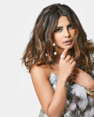 Priyanka Chopra in Hello India December 2017 Photoshoot | Picture 1549123