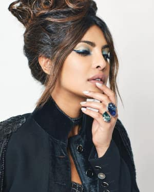 Priyanka Chopra in Hello India December 2017 Photoshoot | Picture 1549113