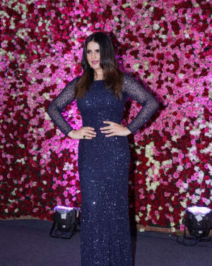 Zareen Khan - Photos: Red Carpet Of Lux Golden Rose Awards 2017