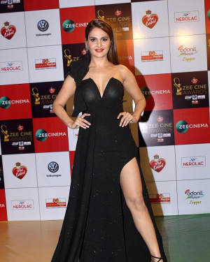 Monica Bedi - Photos: Celebs At Red Carpet Event Of Zee Cine Awards 2018