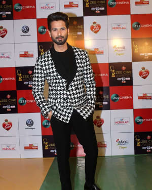 Shahid Kapoor - Photos: Celebs At Red Carpet Event Of Zee Cine Awards 2018
