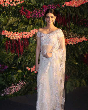 Kriti Sanon - Photos: Anushka Sharma And Virat Kohli's Wedding Celebration In Mumbai