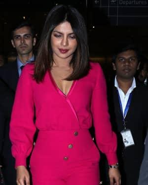 Photos: Priyanka Chopra Snapped at Mumbai Airport | Picture 1555342