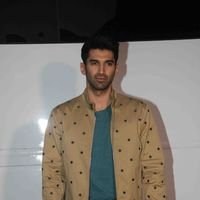 Aditya Roy Kapur - PICS: Promotion of film OK Jaanu on the sets of The Kapil Sharma Show