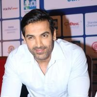 John Abraham - John Abraham During Standard Chartered Mumbai Marathon 2017 Press Conference Pics