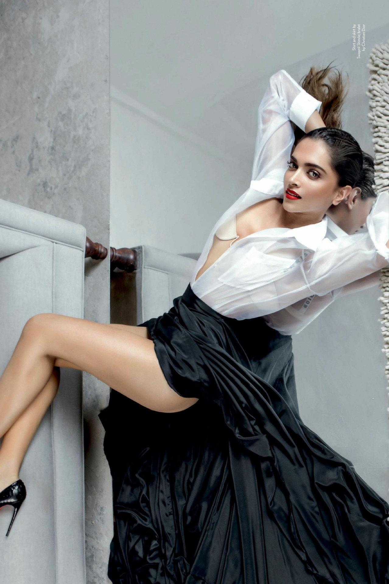 Tamannah bhatia hot thighs show in romance dance - 2 9