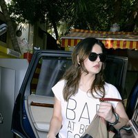 Zareen Khan Spotted at Bandra Pics