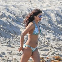 Priyanka Chopra Shows Off Her Bikini Body in Miami Beach Pics