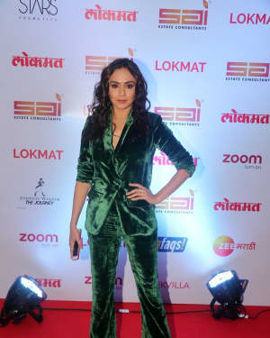 Amruta Khanvilkar - In Pics: Red Carpet Of 2nd Edition Of Lokmat Maharashtra's Most Stylish Awards 2017
