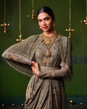 Deepika Padukone for Tanishq Photoshoot | Picture 1532671