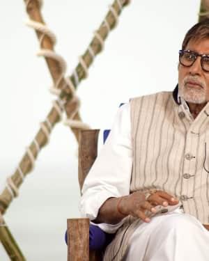 Amitabh Bachchan - In Pics: Rashtriya Swachhta Diwas