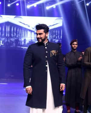 Arjun Kapoor - In Pics: Red Carpet Of Luxury & Fashion As Hello!
