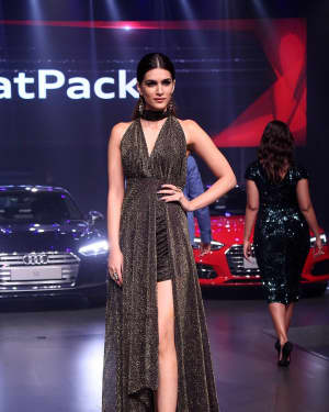 Kriti Sanon - In Pics: Red Carpet Of Luxury & Fashion As Hello! | Picture 1533832