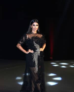 Pooja Hegde - In Pics: Red Carpet Of Luxury & Fashion As Hello! | Picture 1533850