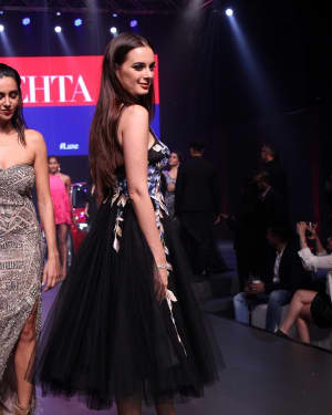 Evelyn Sharma - In Pics: Red Carpet Of Luxury & Fashion As Hello! | Picture 1533824