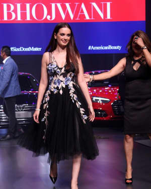 Evelyn Sharma - In Pics: Red Carpet Of Luxury & Fashion As Hello! | Picture 1533823