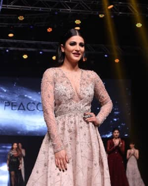 Shruti Haasan - In Pics: Red Carpet Of Luxury & Fashion As Hello!