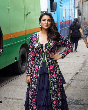 Parineeti Chopra - In Pics: Golmaal Again Team Visit On Set Of Drama Company and Promote Their Film