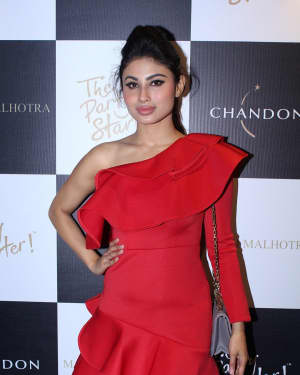 Mouni Roy - In Pics: Launch Of Manish Malhotra X Chandon Limited Edition End Of Year 2017 Bottles