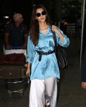 In Pics: Kriti Sanon Snapped At Mumbai Airport   Picture 1535572
