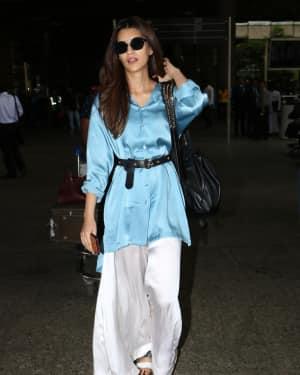 In Pics: Kriti Sanon Snapped At Mumbai Airport   Picture 1535574