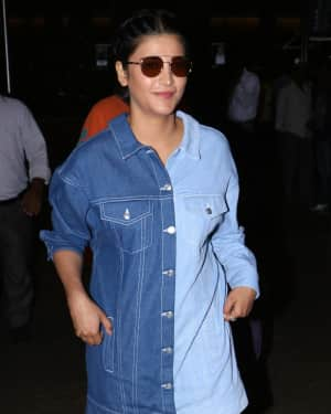 In Pics: Shruti Haasan Spotted at Mumbai Airport