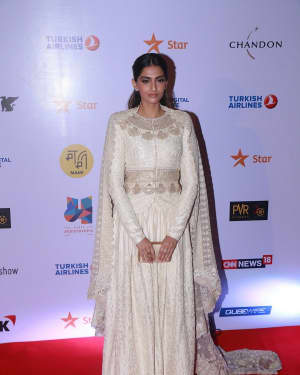 Sonam Kapoor - In Pics: Closing Ceremony Of Jio Mami 19th Mumbai Film Festival