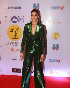 Deepika Padukone - In Pics: Closing Ceremony Of Jio Mami 19th Mumbai Film Festival