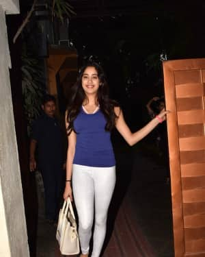 In Pics: Jahnvi Kapoor Spotted at Juhu | Picture 1539456