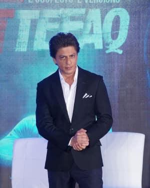 Shahrukh Khan - In Pics: Shah Rukh Khan In Conversation With Karan Johar And The Team Of Ittefaq