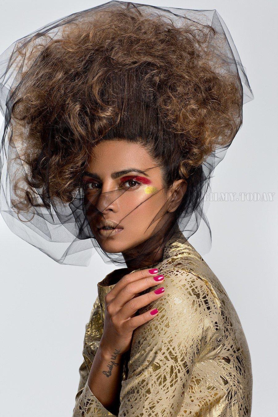 Priyanka Chopra Latest Magazine Photoshoot | Picture 1526143