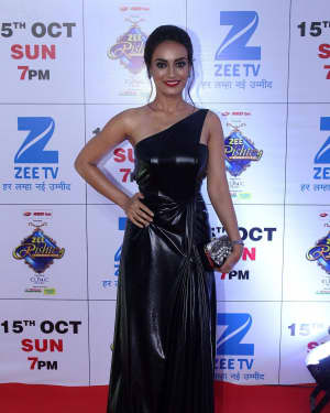 Surbhi Jyoti - In Pics: Red Carpet Of The Grand Celebration Of Zee Rishtey Awards 2017 | Picture 1526963