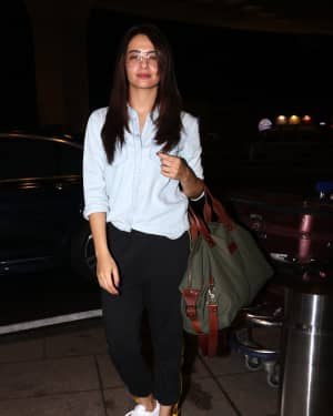 In Pics: Surveen Chawla Snapped At Mumbai Airport   Picture 1527684
