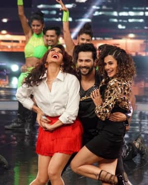 In Pics: Jacqueline, Varun and Taapsee Promotes Judwaa 2 In Dance Plus Final? Episodes   Picture 1529411