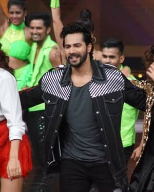 In Pics: Jacqueline, Varun and Taapsee Promotes Judwaa 2 In Dance Plus Final? Episodes   Picture 1529413