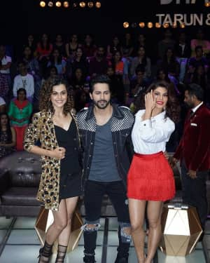 In Pics: Jacqueline, Varun and Taapsee Promotes Judwaa 2 In Dance Plus Final? Episodes   Picture 1529408