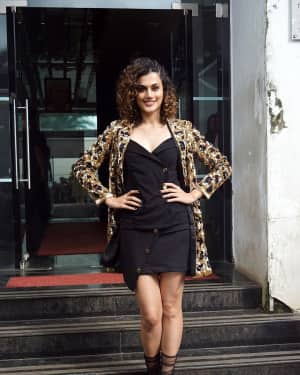 Taapsee Pannu - In Pics: Jacqueline, Varun and Taapsee Promotes Judwaa 2 In Dance Plus Final? Episodes
