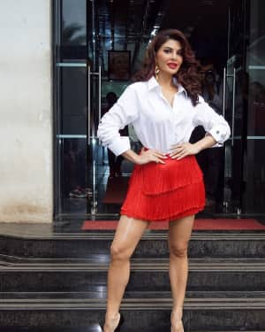 Jacqueline Fernandez - In Pics: Jacqueline, Varun and Taapsee Promotes Judwaa 2 In Dance Plus Final? Episodes   Picture 1529405