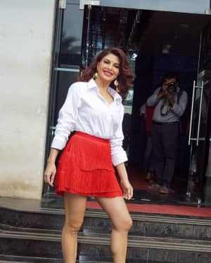 Jacqueline Fernandez - In Pics: Jacqueline, Varun and Taapsee Promotes Judwaa 2 In Dance Plus Final? Episodes   Picture 1529401