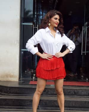 Jacqueline Fernandez - In Pics: Jacqueline, Varun and Taapsee Promotes Judwaa 2 In Dance Plus Final? Episodes   Picture 1529403
