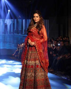 Esha Gupta - In Pics: Tech Fashion Tour Season 3