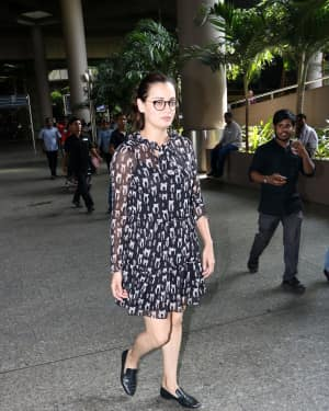 In Pics: Dia Mirza Snapped At Mumbai Airport   Picture 1529864