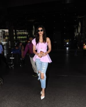 In Pics: Kriti Sanon Snapped At Mumbai Airport   Picture 1529931